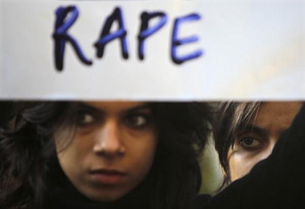 Toplu tecavüz anını ilk kez anlattı