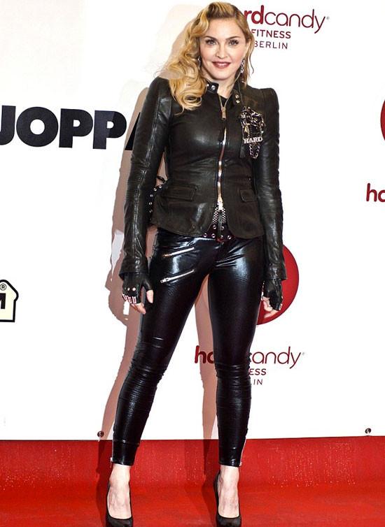 Madonnanın yeni sevgilisi oğlu yaşında!