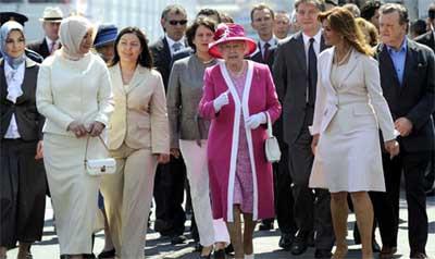 Kraliçe Elizabeth boğaz gezisinde