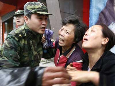 Çindeki deprem felaketinden geriye bu fotoğraflar kaldı