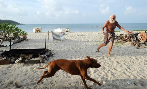 Modern çağın Robinson Crusoesu adadan atılabilir