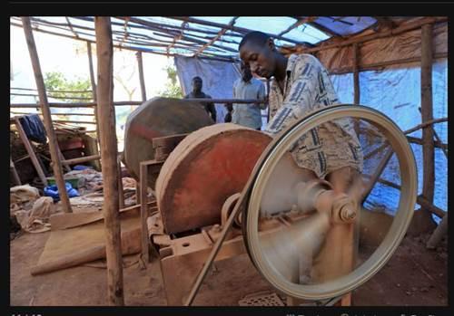 Ugandadaki altın savaşı