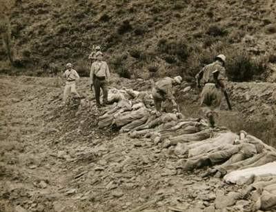 Binlerce insanı diri diri gömdüler !