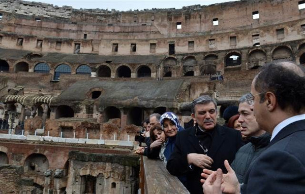 Cumhurbaşkanı Gül, Kolezyum'u gezdi