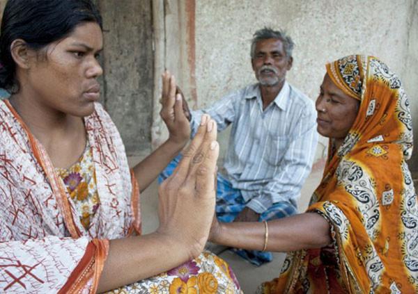 Dünyanın en uzun kadını tedavi ile yaşama tuttundu