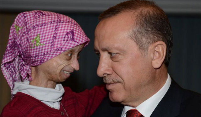 Başbakan progerie hastası küçük kızı kabul etti