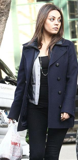 Mila Kunis yeniden makyajsız yakalandı!