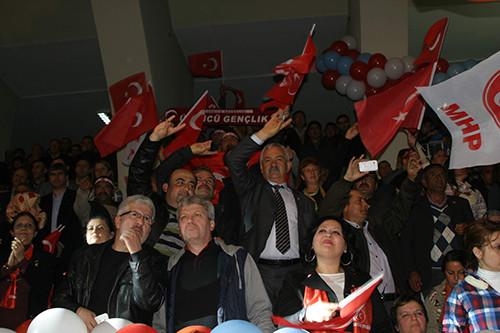MHPli Meral Akşener, BDPli milletvekilini övdü: En dürüst o!