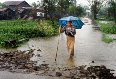 Kasırga sonrası Myanmarda hayat