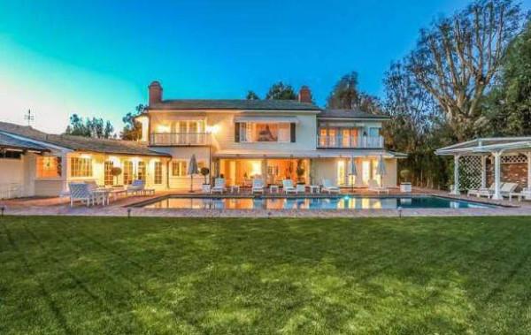Ünlüden satılık ev