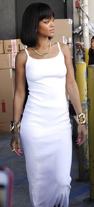 Rihanna doğum günü alışverişinde !