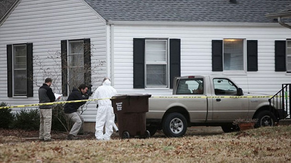 10 yaşındaki kızı öldürüp çöpe attı!