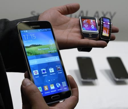 Samsung yeni Galaxy S5'i tanıttı