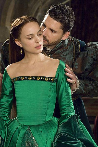 Natalie Portman ve Scarlett Johanson Boleyn Kızında