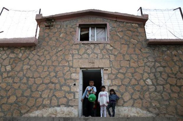 Suriyeliler Türkiye'de cezaevinde yaşıyor!