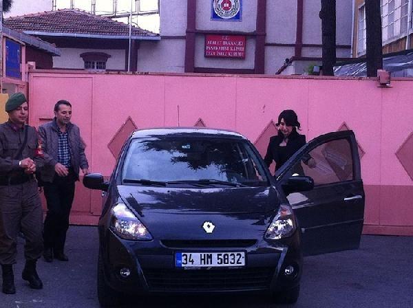 Rıza Sarraf ve Ebru Gündeş görüntülendi