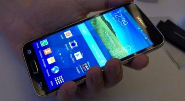 Bu da iphone değil blackphone