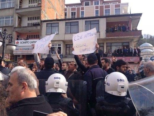 CHP'li gençlerden Rize'de 'misilleme'