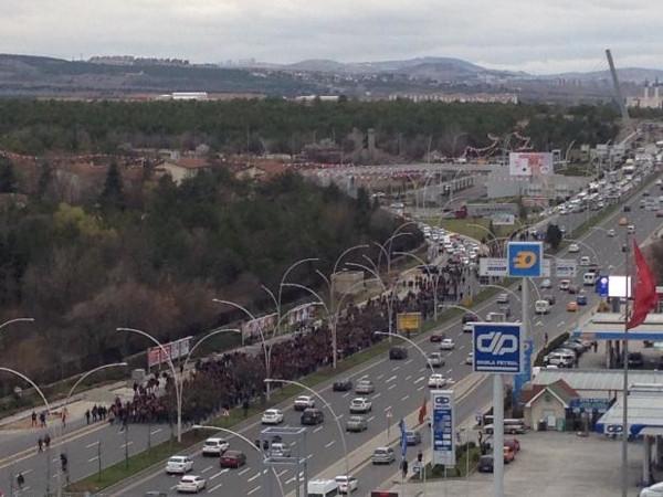 Ankara'da ODTÜ'lüler Berkin için yürüdü, polis müdahale etti