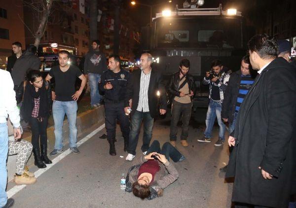 TOMA, 2 eylemciye çarptı