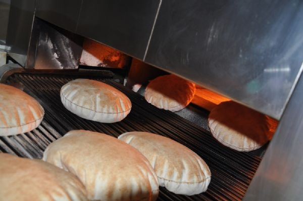 Suriyelilere 'Tayyib' ekmeği