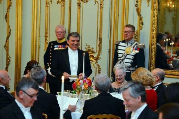 Danimarka'da Gül onuruna görkemli davet
