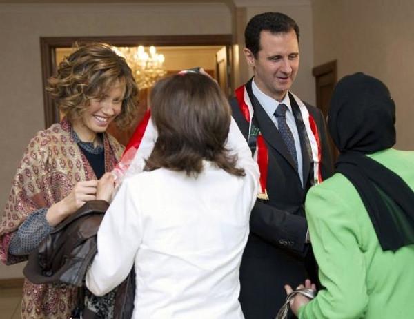 Beşar Esad bıyığını kesti