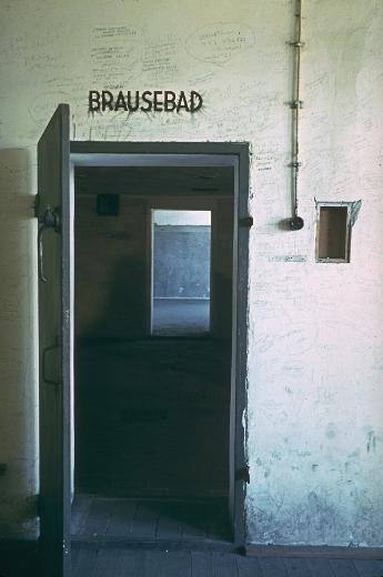 Hitler'in fotoğrafçısı suç mahaline geri dönüp fotoğraf çekmiş