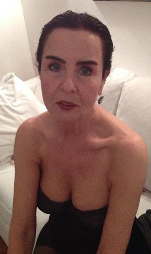 71 yaş güzelliği: Fatma Girik