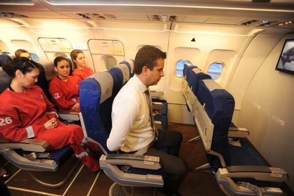 Uçakta teröre karşı komando eğitimi
