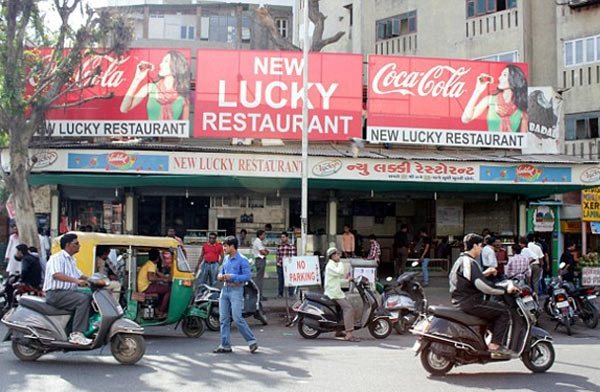 Hindistan'daki tabutlu restorant şaşkınlık yarattı
