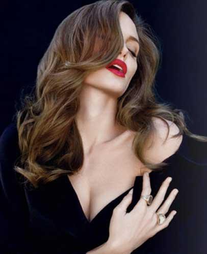 Angelina Jolieden Vanity Faira özel pozlar