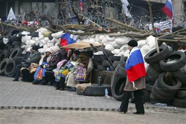 Donetsk'teki göstericiler devlet binalarından çıkmıyor