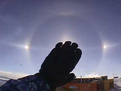 Gökyüzünde 3 Güneş var!