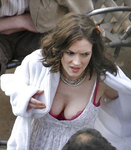 Winona Ryder sette fena yakalandı