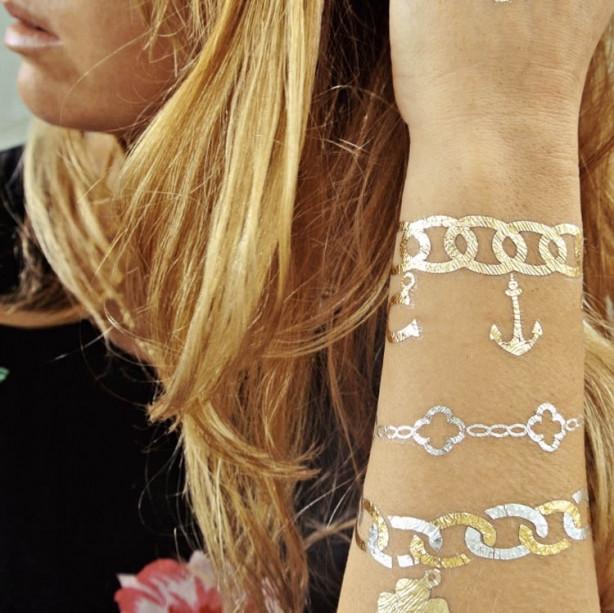 Mücevherlere yeni rakip: Metalik dövmeler