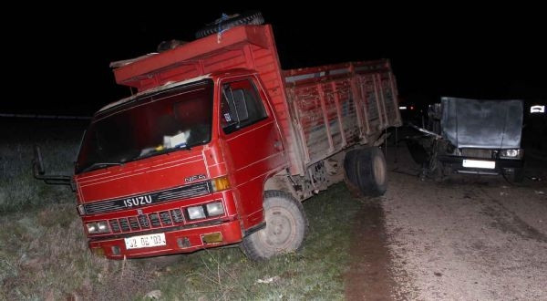 Kaza üstüne kaza!.. Toplamda 4 ölü 12 yaralı!