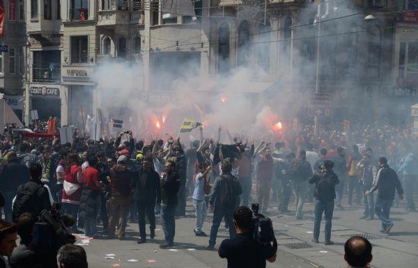 G.Saray Meydanı'nda polis müdahalesi!