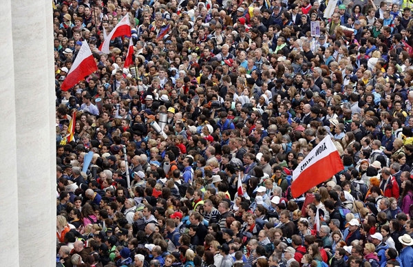 'Türk Papa' ve 2. John Paul aziz ilan edildi