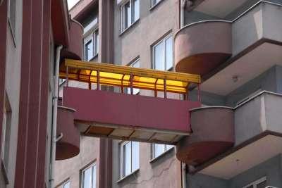 Balkondan balkona köprü