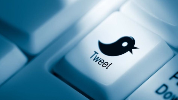 Twitter 'hipnoz' yapıyor!