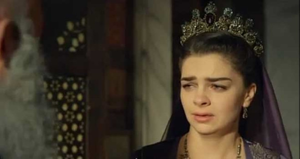 Hürrem Sultan öldü
