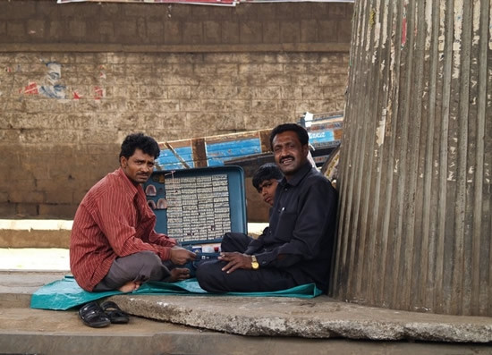 Sokak dişçileri iş başında