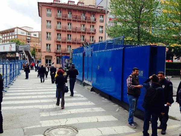 1 Mayıs'ta bir ilk çelik duvarlar