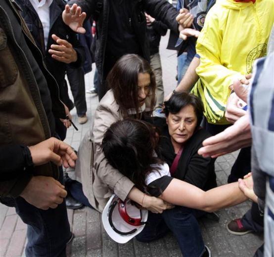 Polis Şafak Pavey'i gözaltına almak istedi