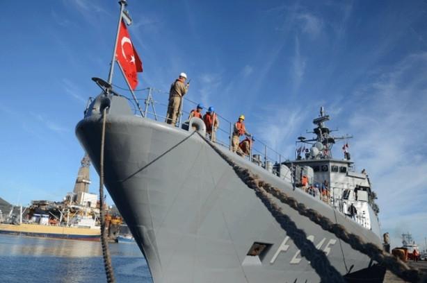 Türk savaş gemileri 148 yıl sonra Cape Town'da