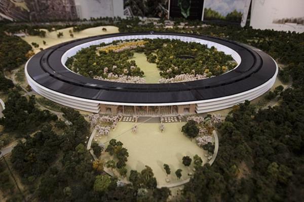Apple'ın yeni uzay üssü yükselmeye başlıyor!