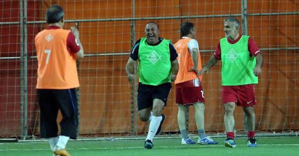 AK Partili milletvekilleri halı saha maçı yaptı