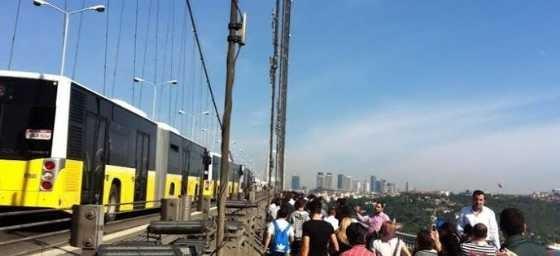 Boğaziçi Köprüsü'nü kilitleyen kaza!
