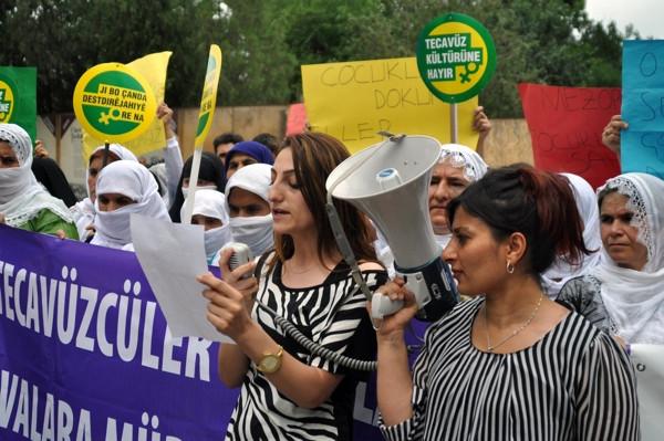 Cizre'de tecavüz protestosu